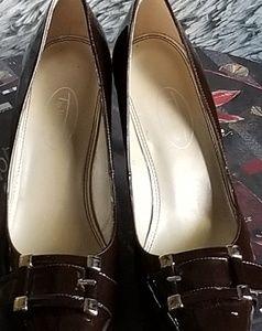TALBOTS Patent Leather Heels NWT